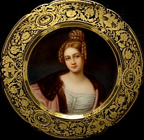 Born and raised as Baroness von Spiering, Caroline was actually the daughter of King Ludwig's brother Carl. She married Baron von Holnstein, the royal chamberlain, but eventually left him for her lover Baron von K�nsberg. She's 19 years old in this painting